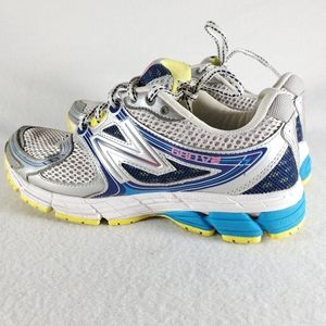 New Balance Running 680v2 Women's Sneaker Shoes